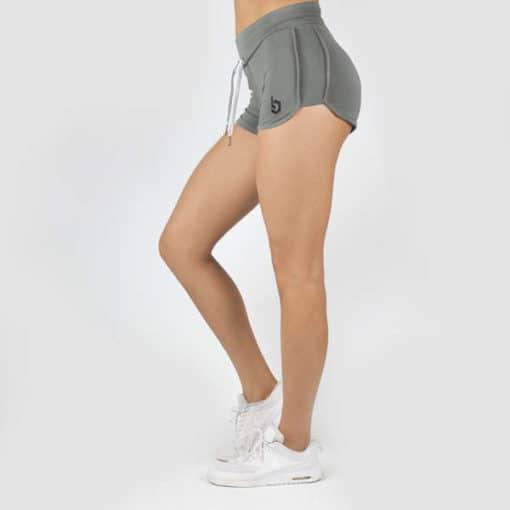 Eine schicke Hose für Frauen zum Sport treiben